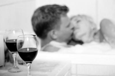 Hoje é Dia do Sexo! Um brinde aos prazeres da vida!